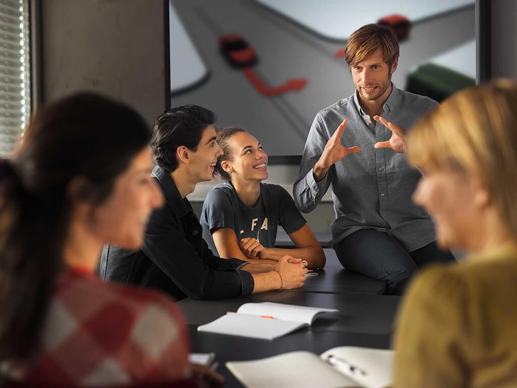 Fahrlehrer finden Top Theorielehrmaterial von Fahrs(CH)ule und theorie24 bei CTM Alder AG.
